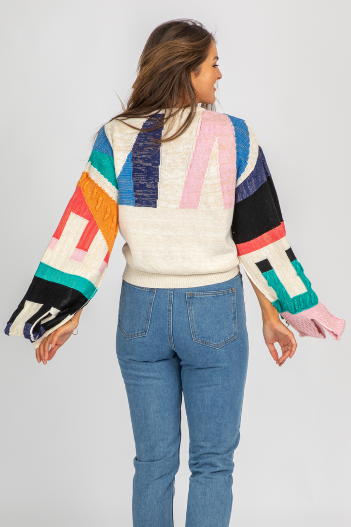 MULTICOLOR GEO BELLSLEEVE KNIT