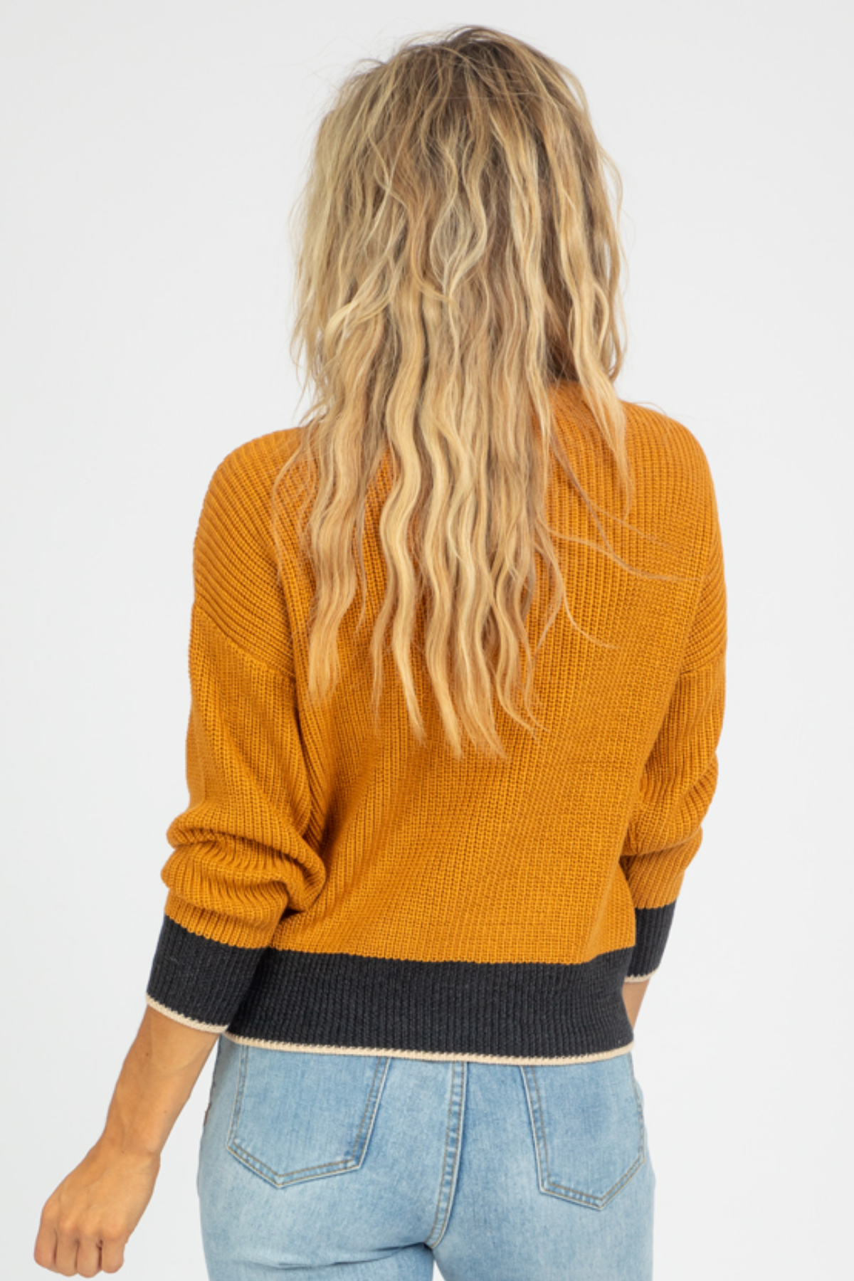 MUSTARD COLOR BLOCK KNIT