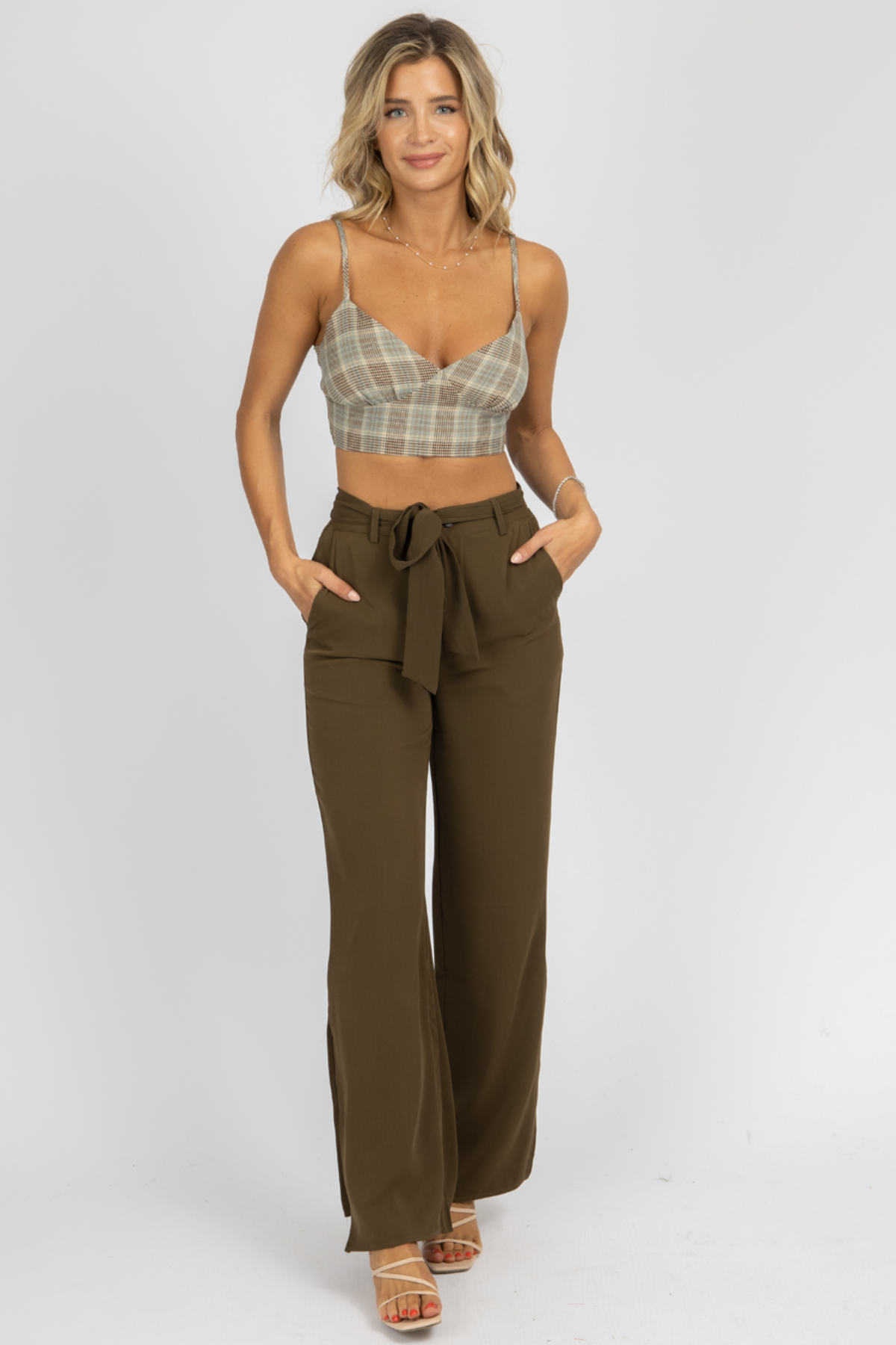 OLIVE SPLIT HEM BELTED PANTS