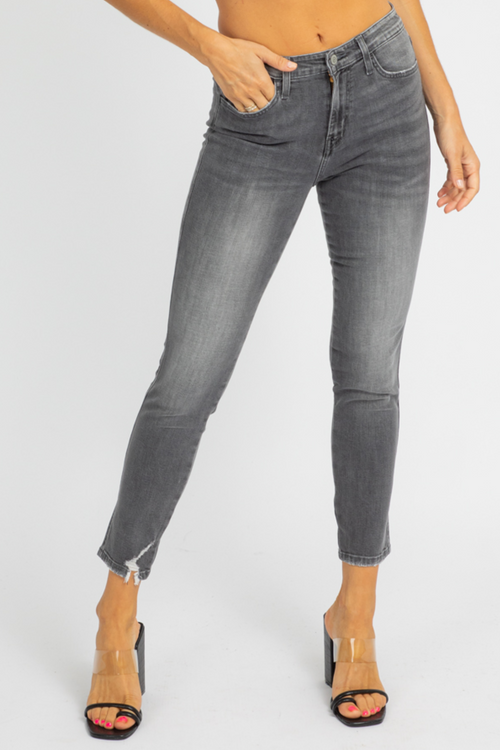 LIGHT GREY STRAIGHT JEAN