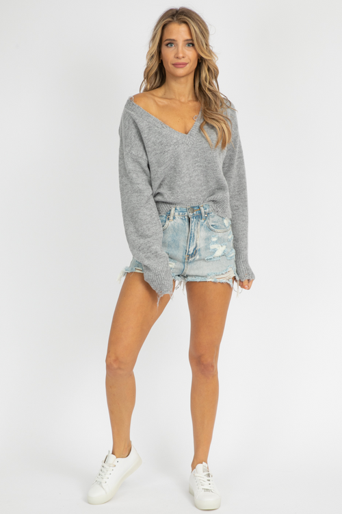 HEATHER GREY DISTRESSED SWEATER