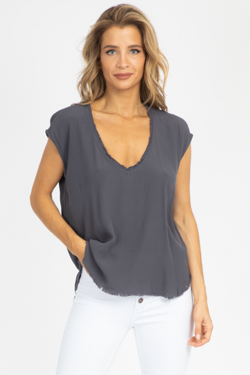 RAW EDGE SHORT SLEEVE BLOUSE