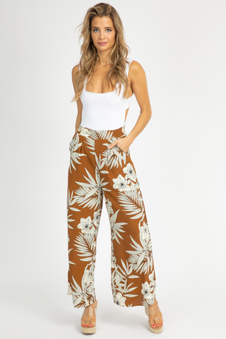 HI-LO TWIST FRONT CROP TOP