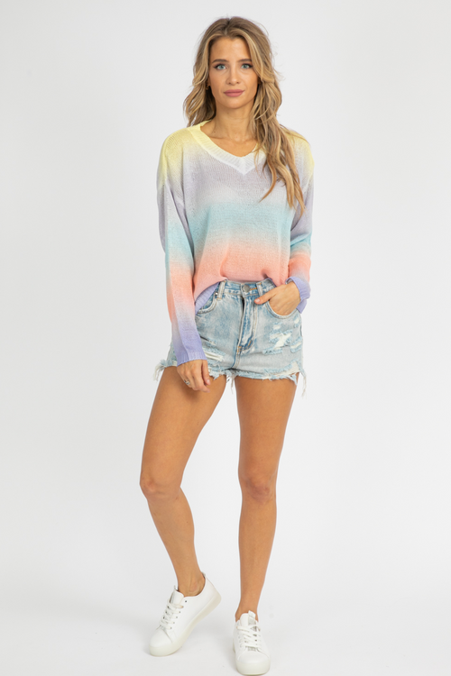 PASTEL GRADIENT KNIT SWEATER