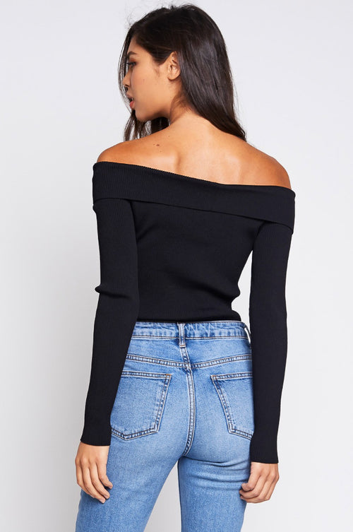 COLD SHOULDER KNIT TOP IN BLACK
