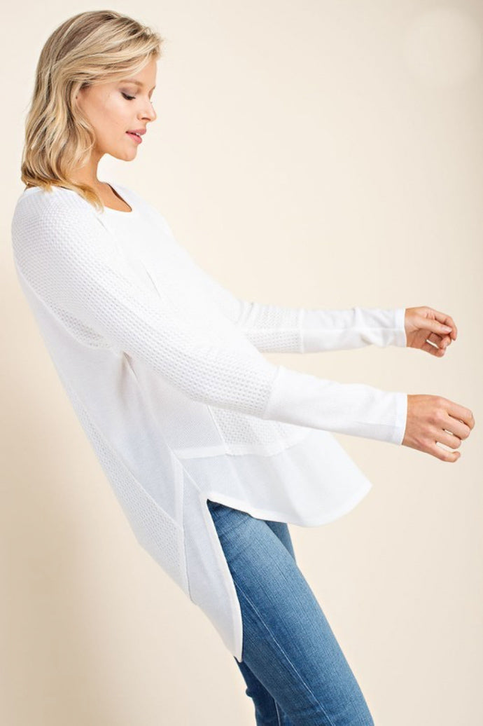 CUT HI-LO TOP IN OFF WHITE