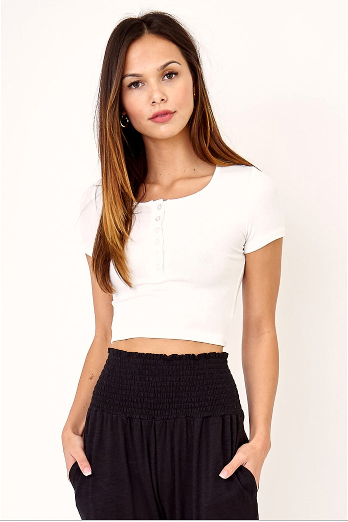 CROPPED HENLEY IN WHITE