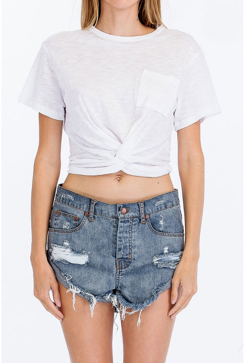 KNOTTED CROP TOP IN WHITE