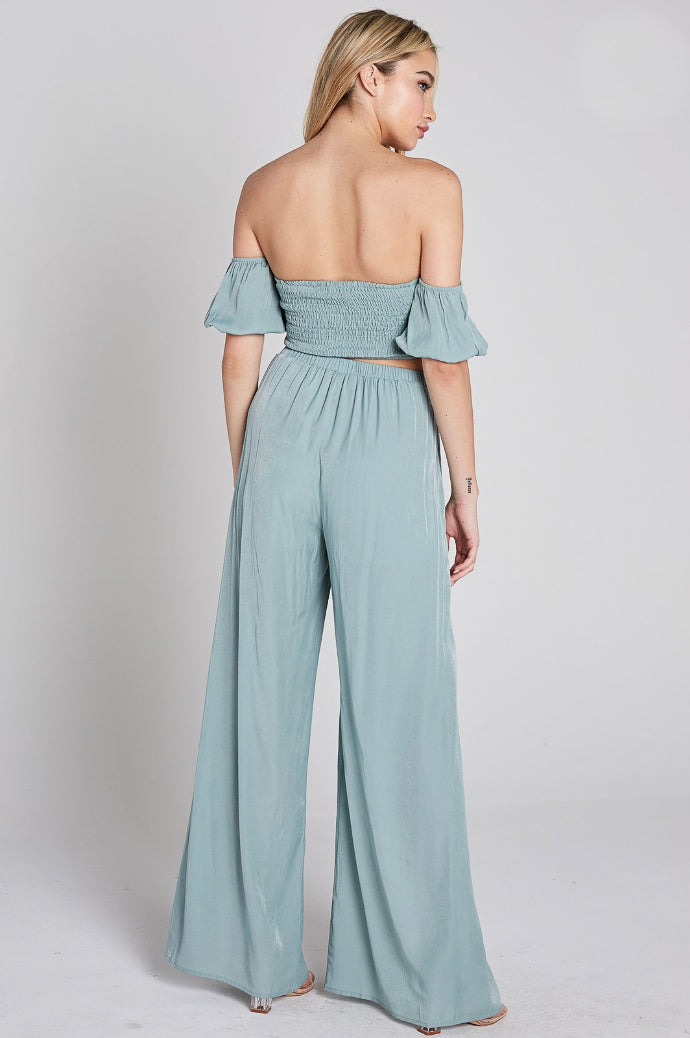 BUBBLE SLEEVE CROP AND SLIT PANT SET IN BLUE