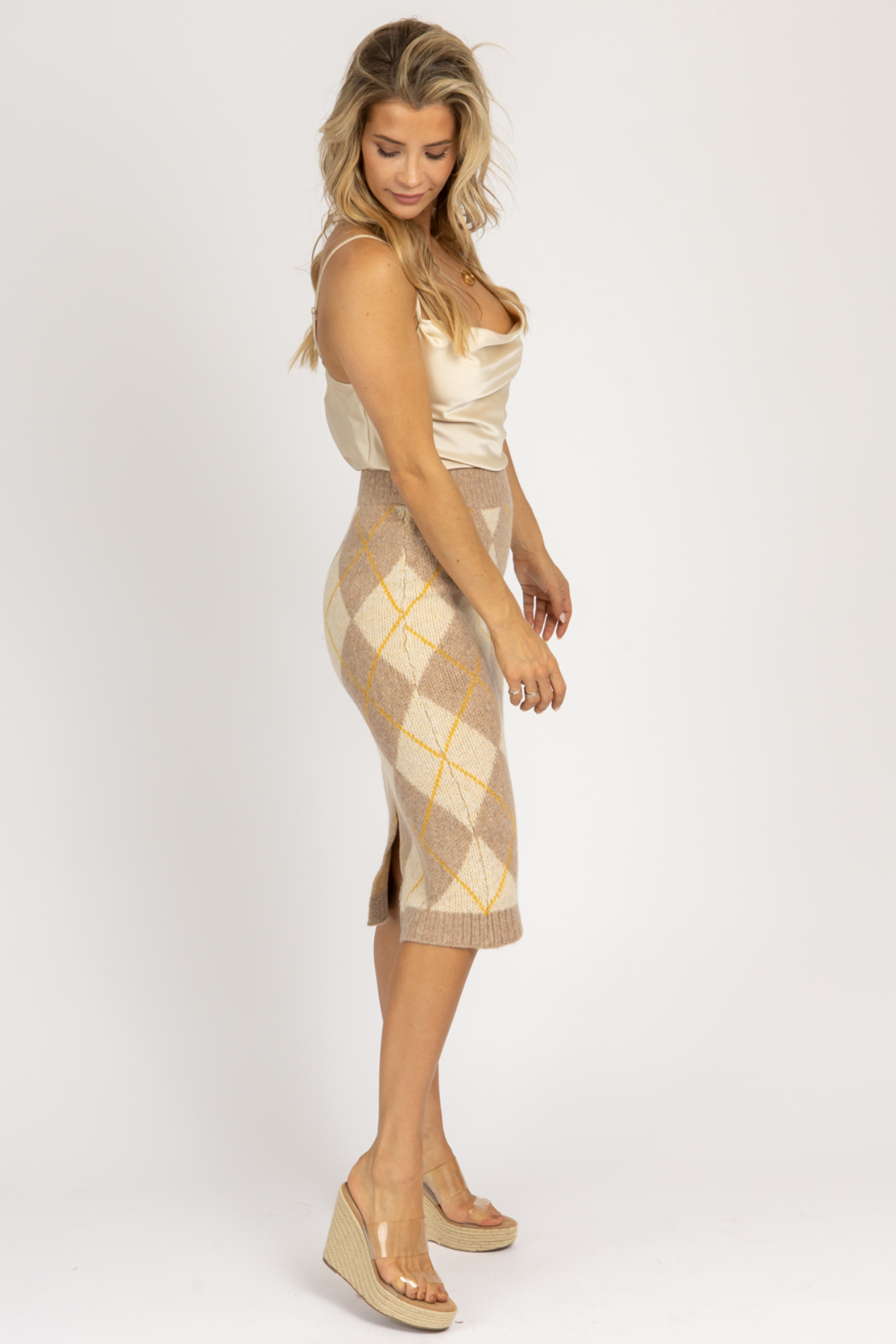 TAUPE ARGYLE KNIT MIDI SKIRT