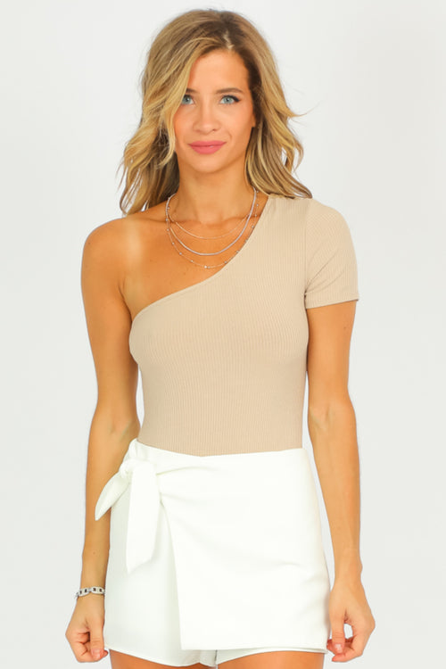 TAUPE RIBBED ONE SHOULDER BODYSUIT