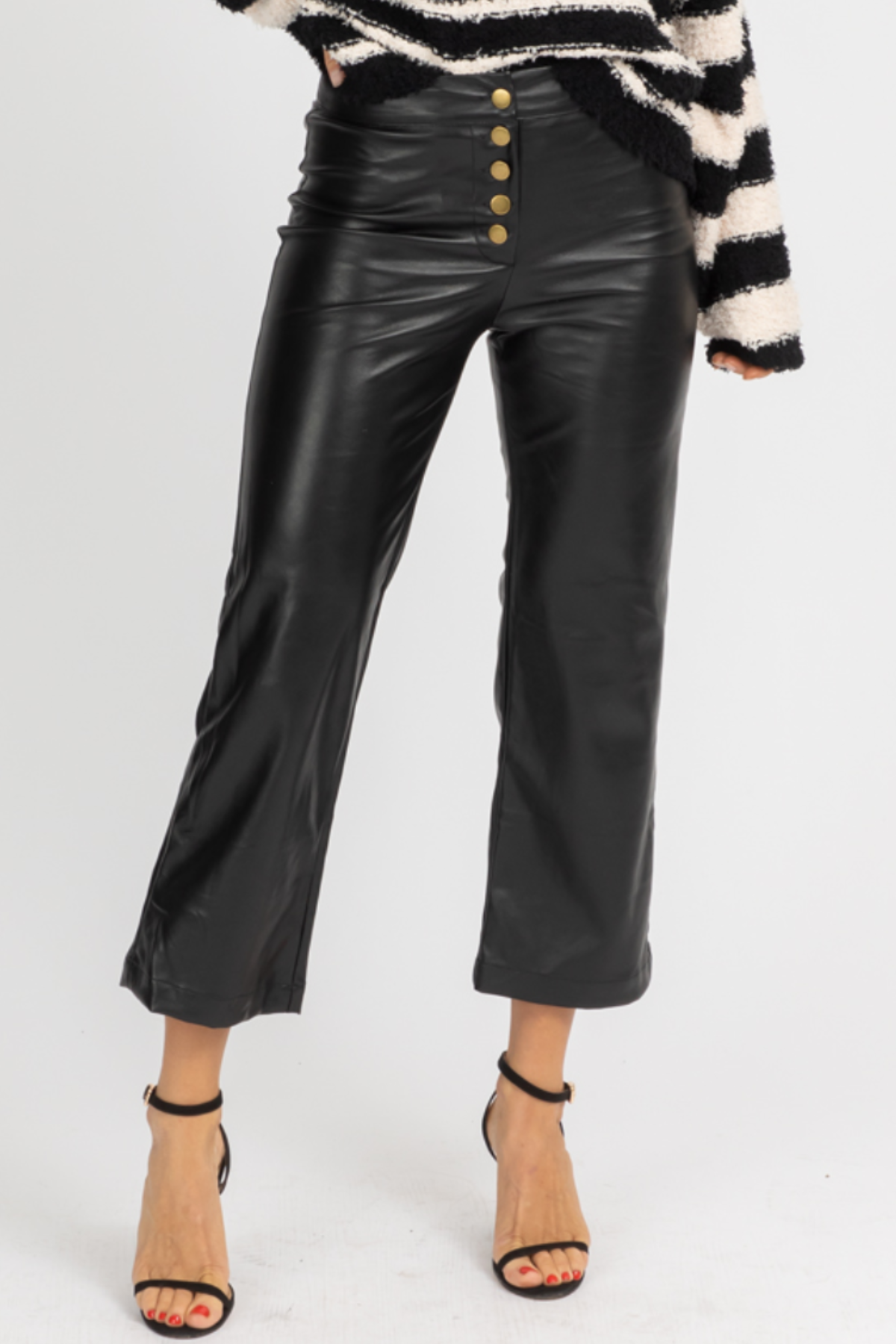 VEGAN LEATHER CROPPED PANTS