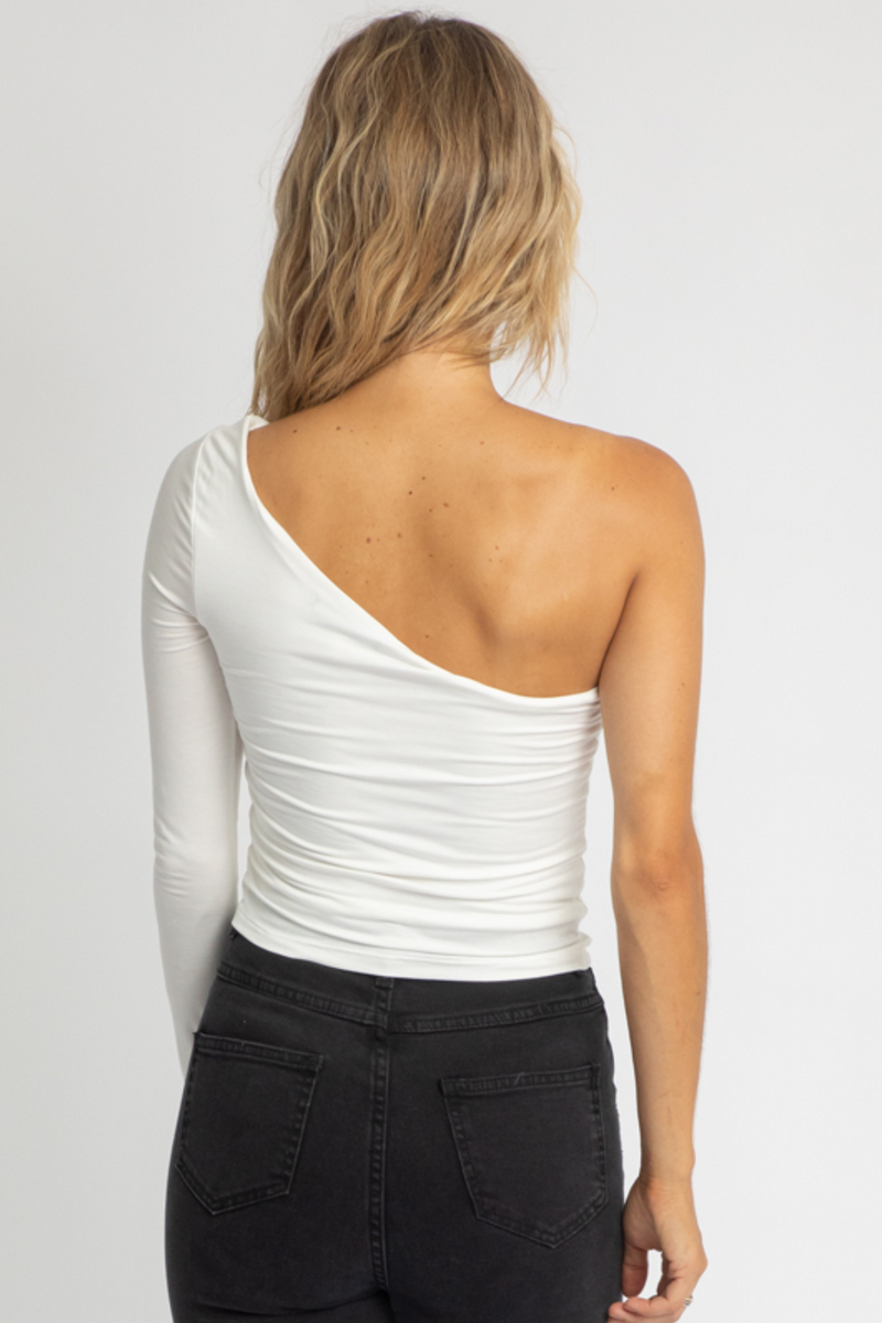 WHITE LAYERED ONE SLEEVE TOP