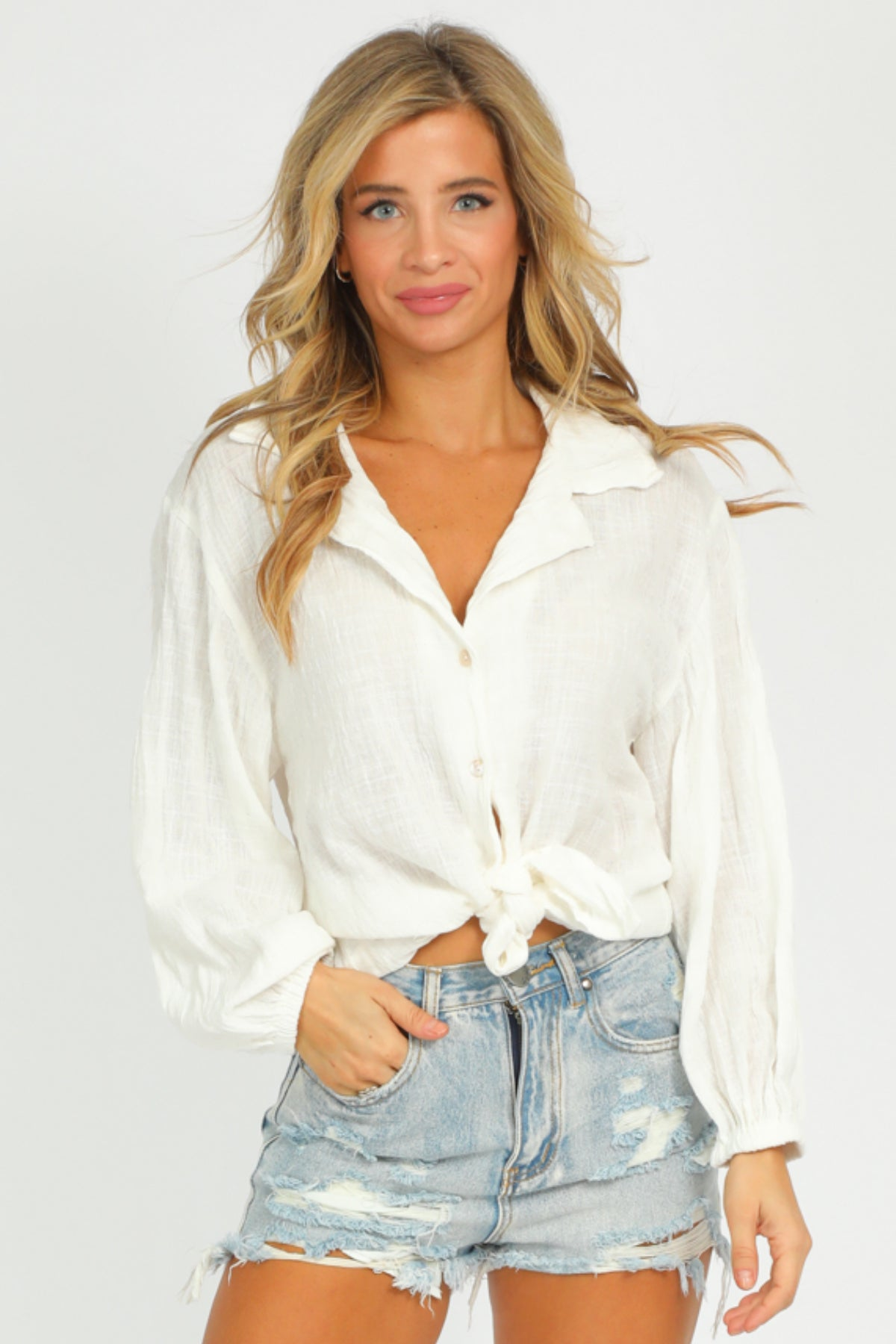 WHITE BUBBLE SLEEVE TOP