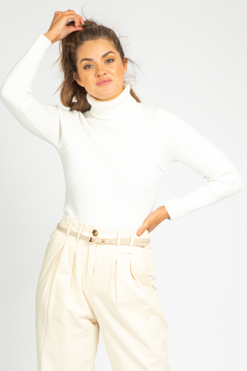 WHITE RIBBED TURTLENECK SWEATER