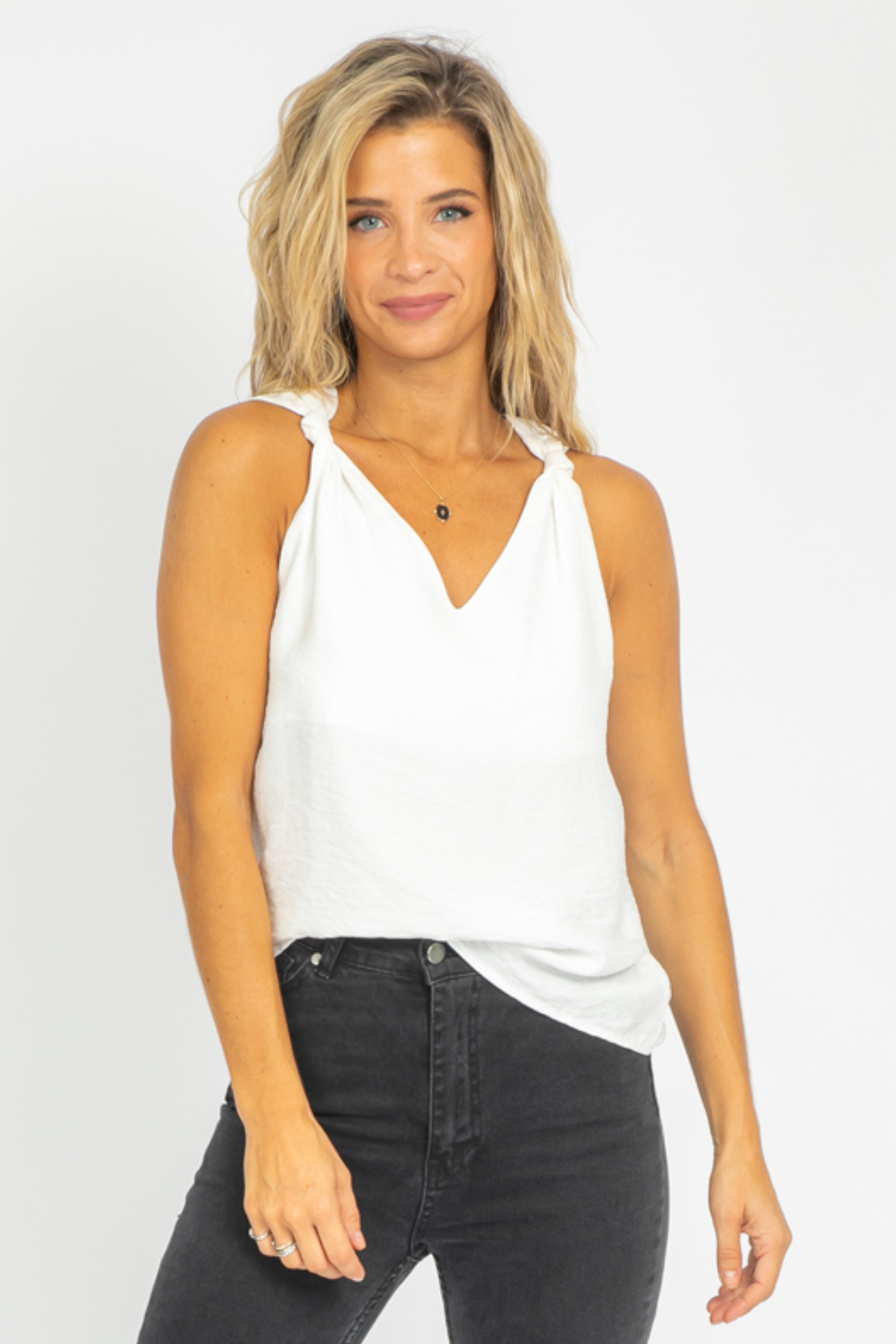 WHITE KNOT SHOULDER TANK