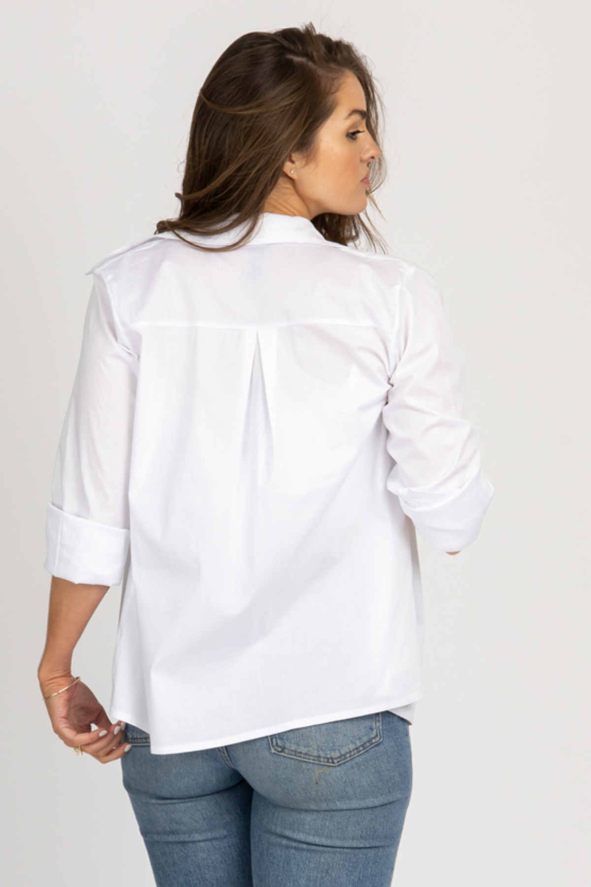 WHITE LONG SLEEVE SIMPLE BUTTONDOWN