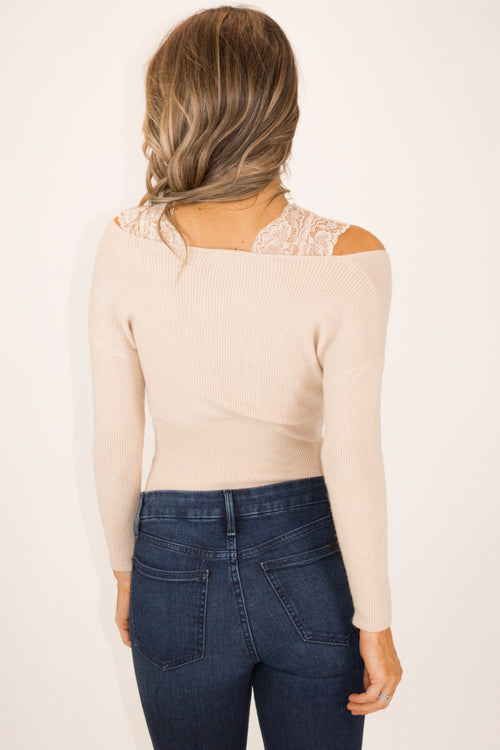 LACE DETAIL SWEATER IN CREAM