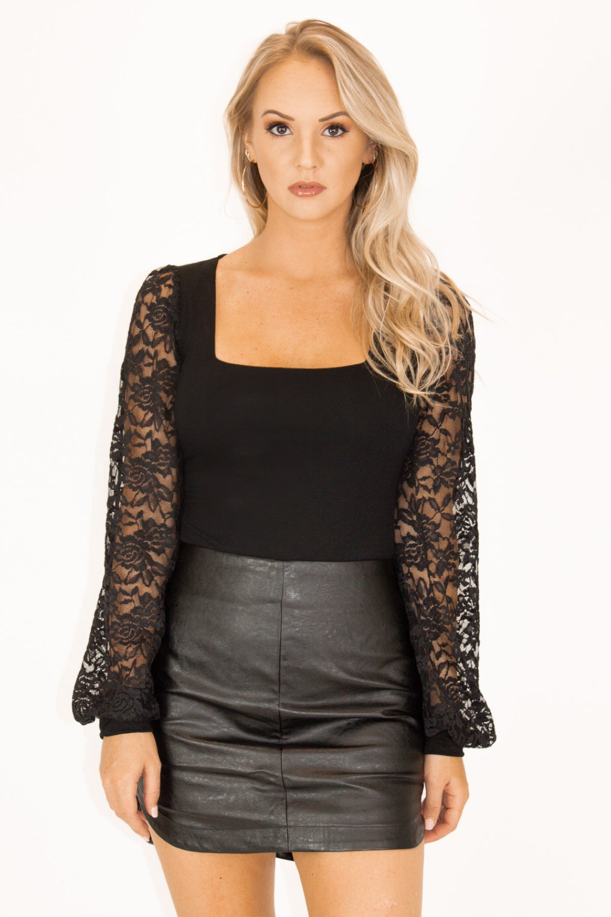 Lace Bubble Sleeve Bodysuit in Black