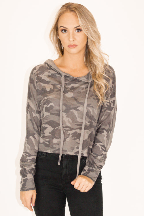 HOODED CAMO DRAWSTRING KNIT