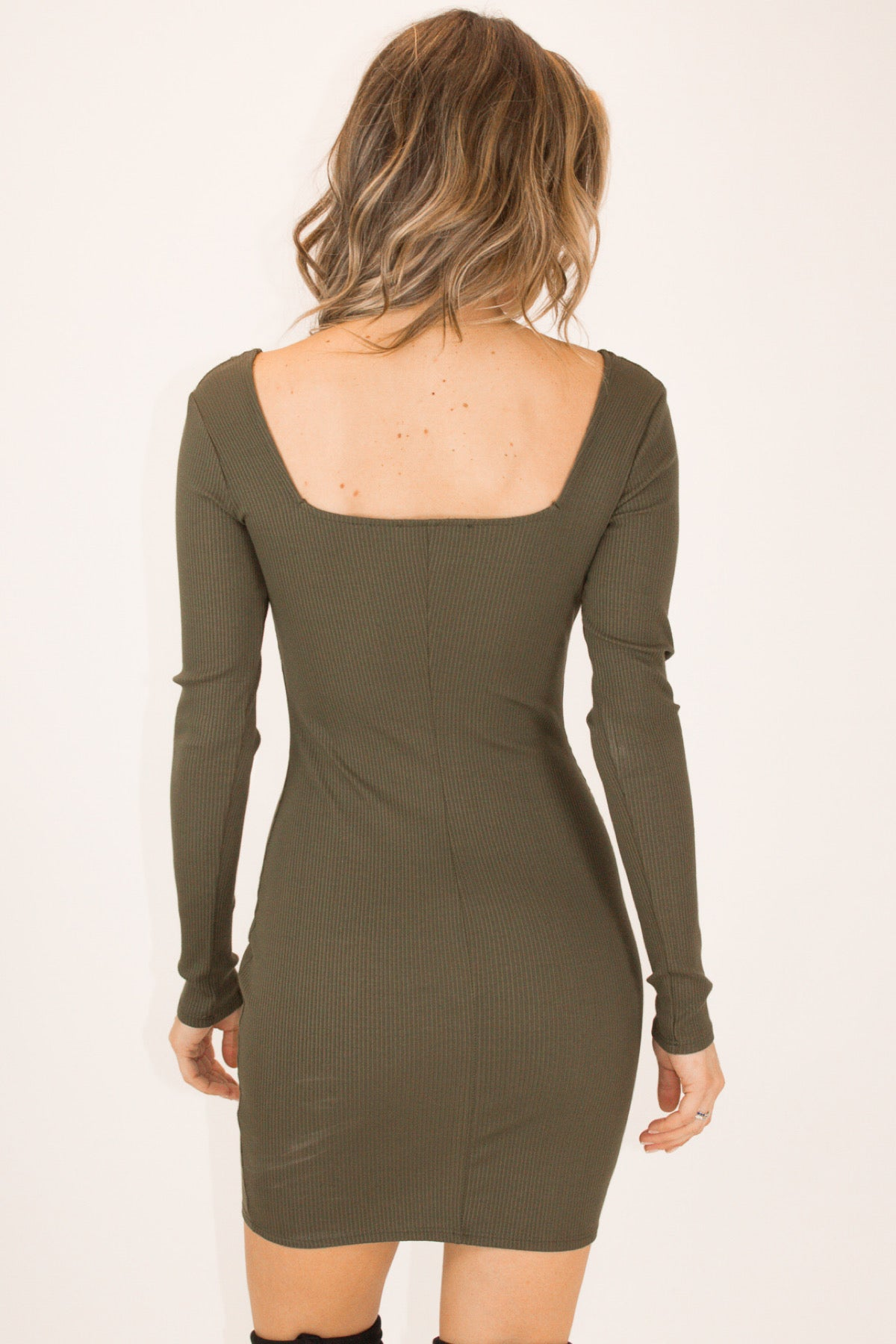 OLIVE SQUARENECK RIBBED DRESS