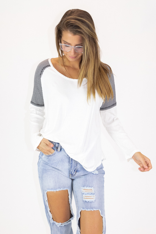SHOULDER STRIPE CONTRAST TOP