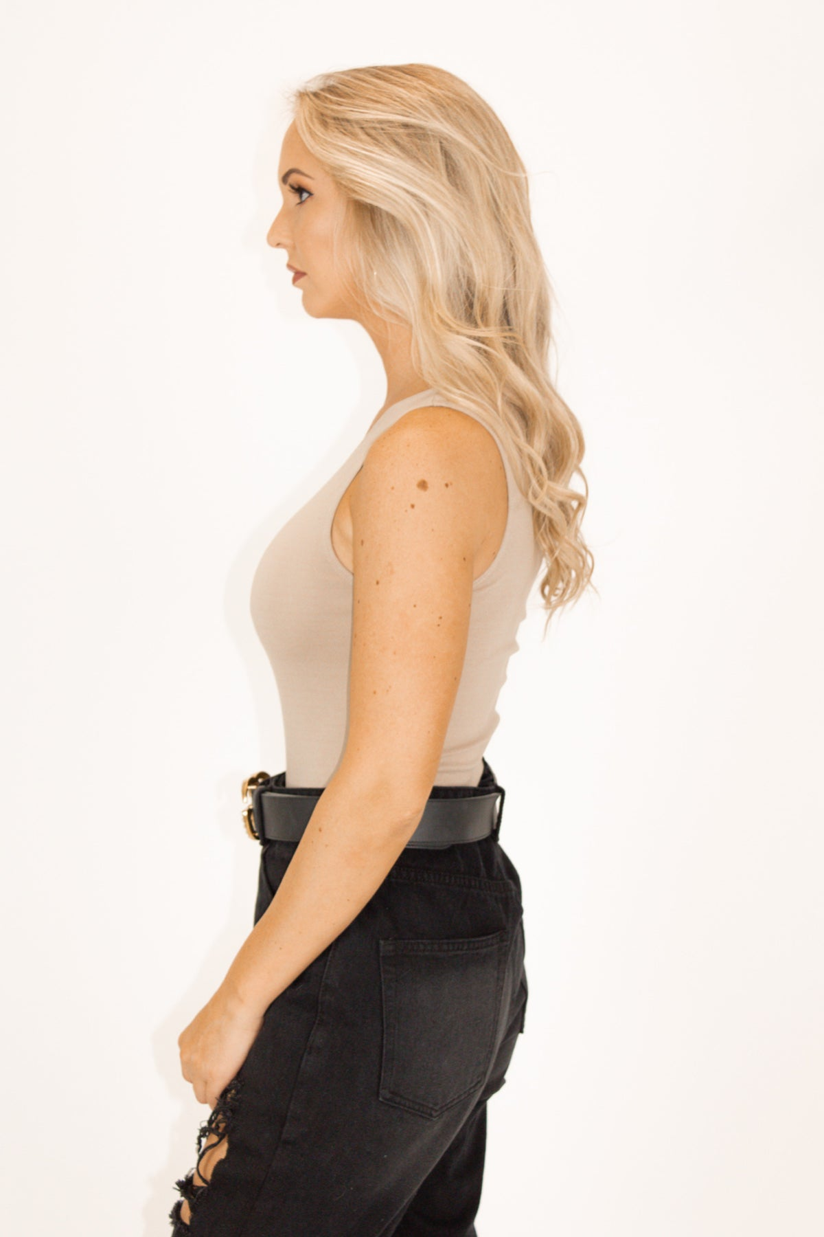 ONE SHOULDER HIGH-QUALITY BODYSUIT IN TAUPE