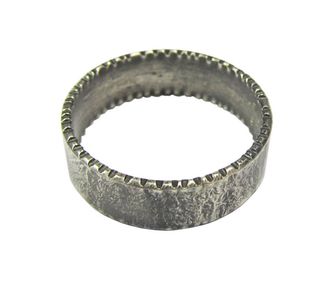 Oxidized Sterling Silver Shen Ring - hatched edge