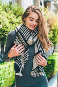Geometric Pattern Scarf | Black
