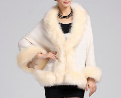 Batwing Sleeved Faux Fur Collar Poncho Cape