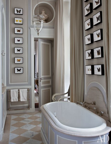 Who wouldn't want to indulge themselves in this delightful Paris bathroom.