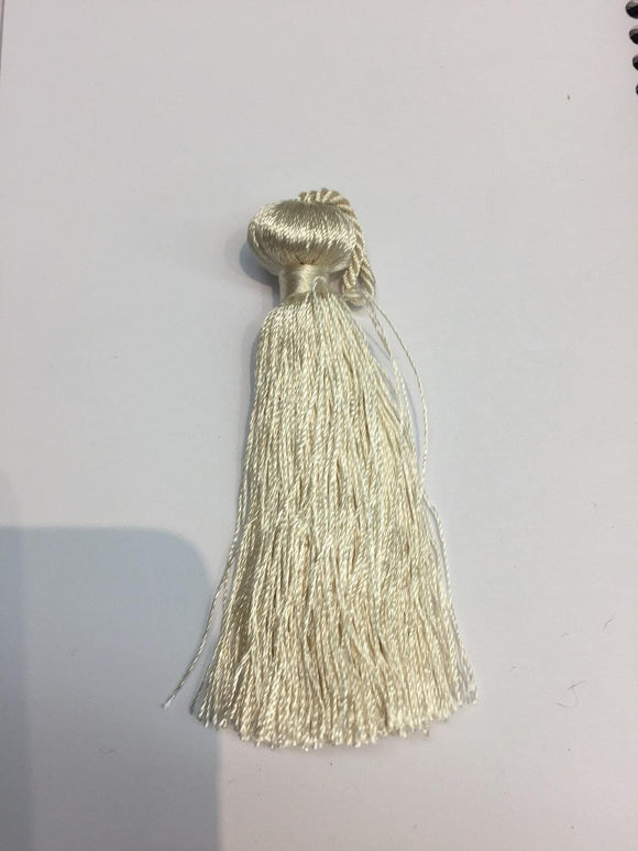 100 pieces simple Off-White Key tassel perfect for runners pillows keychains
