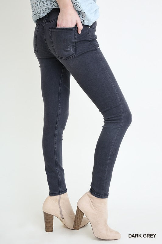 Distressed Denim Stretch 5 Pocket Skinny Jean