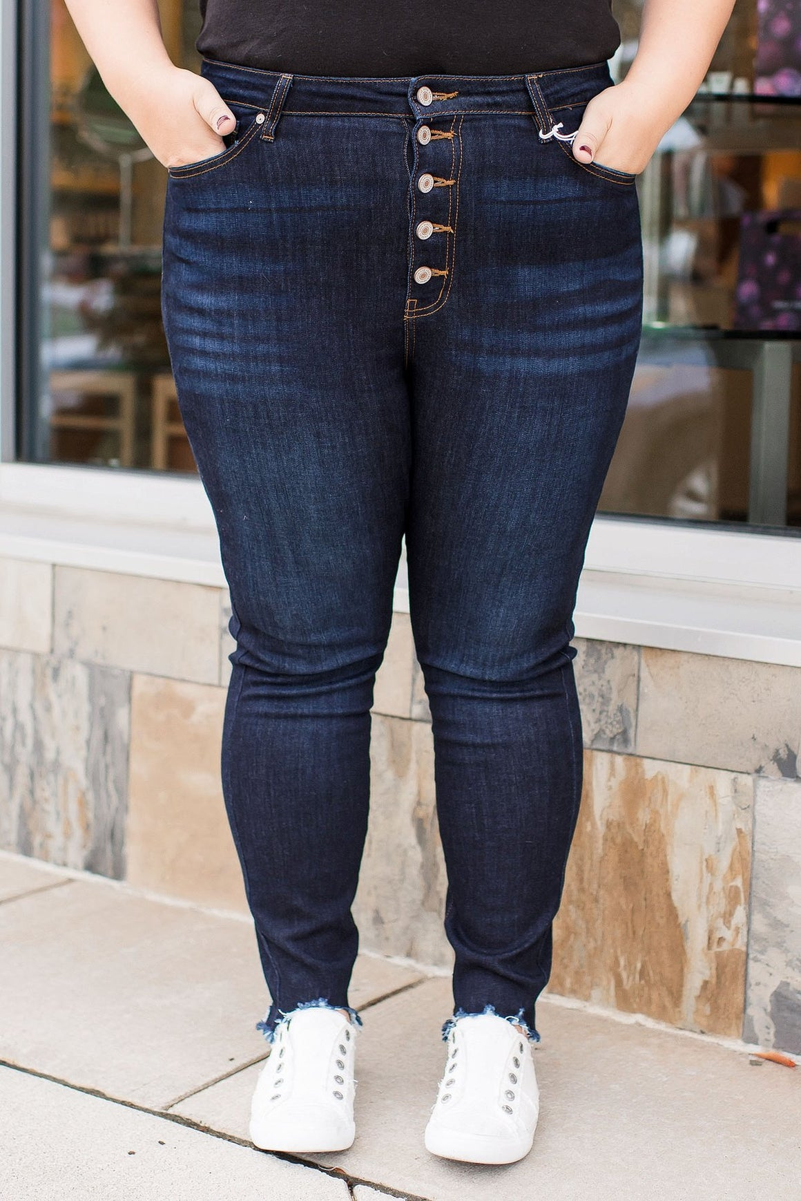 Kancan Curvy Exposed Button Jean