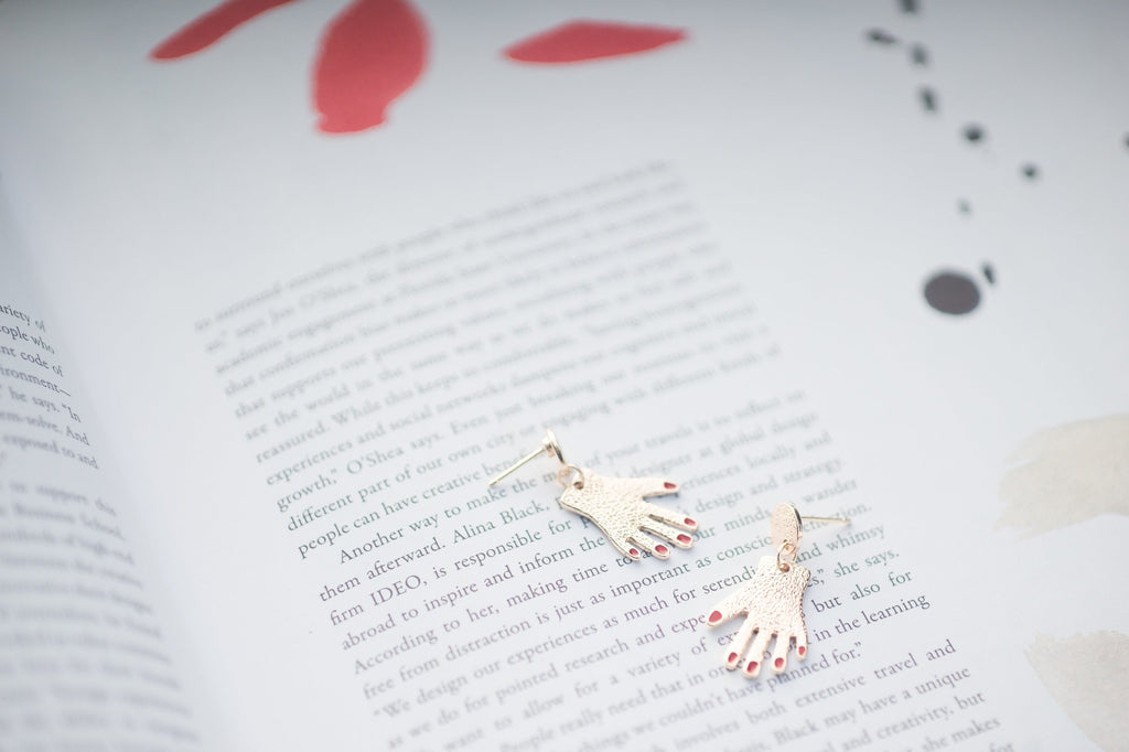 Hands Earring of Jewellery from Sallty 咸