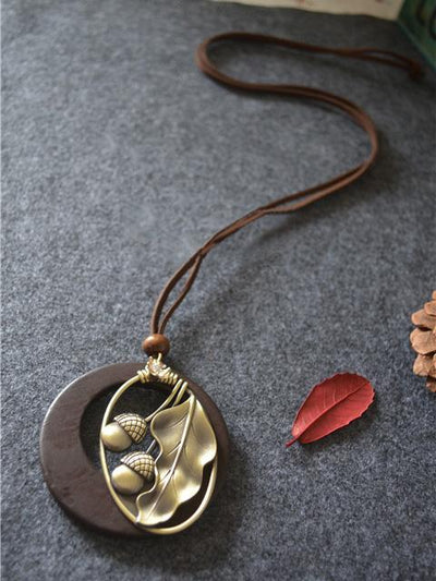ACORN CRYSTAL LONG NECKLACE