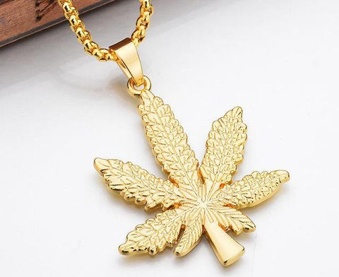 Weed Leaf Necklace - Common Bunny