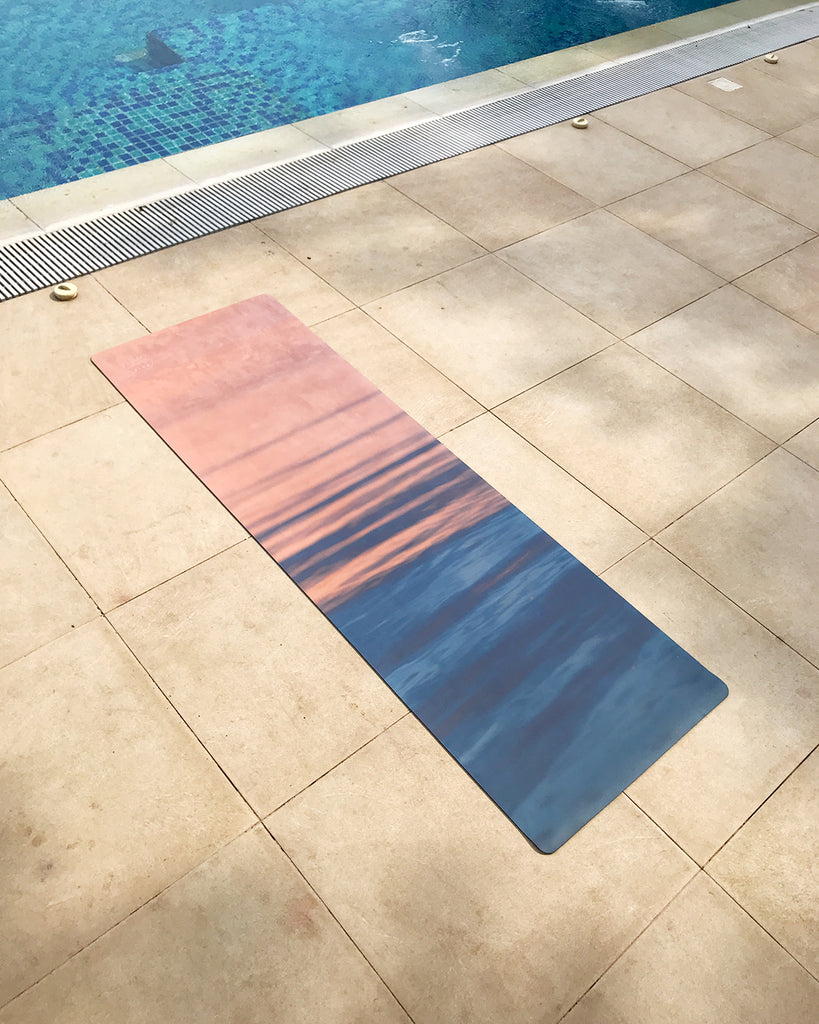 Tapaan Microsuede Grip Mat in Dreamy Sunset