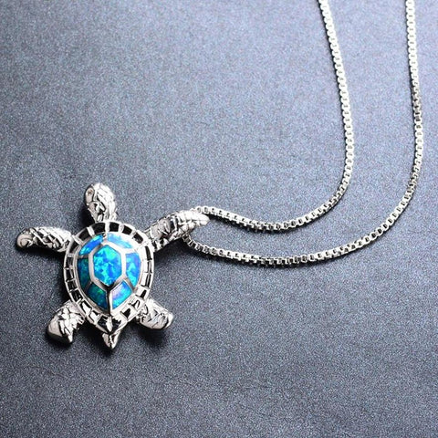 Sea turtle design pendant necklace