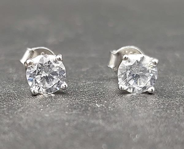 5mm Round Cubic Zircona Stud Earrings