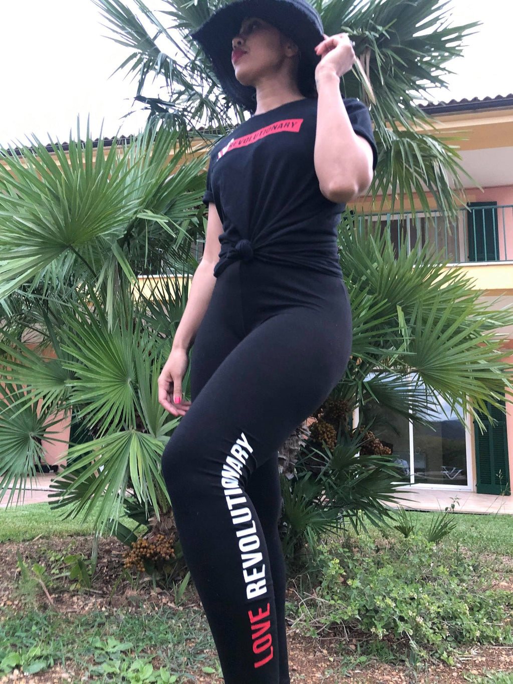 Love Revolutionary Leggings - BLACK