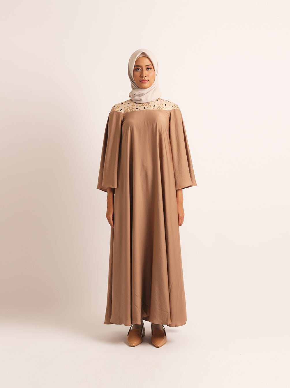 ARACELI DRESS WITH EMB CARAMEL