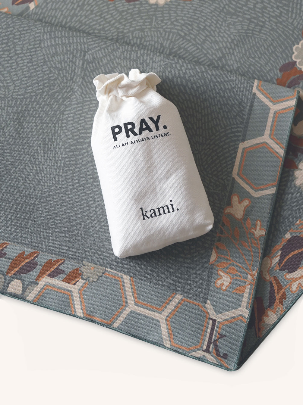 TRAVEL PRAYER MAT OCEAN + BIENNA SCARF