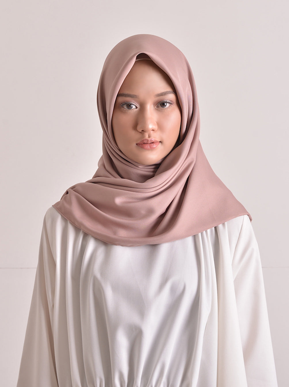 SATTEN SCARF PLAIN DUSTY PINK