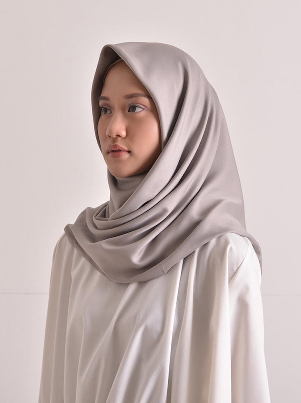 SATEEN SCARF PLAIN LIGHT STONE