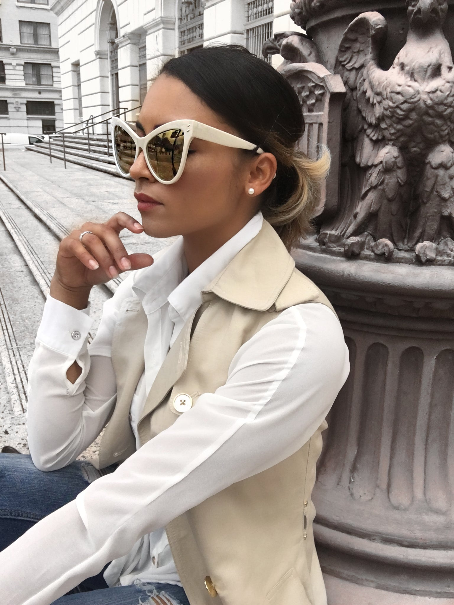 How to Style a Trench Coat in Summer