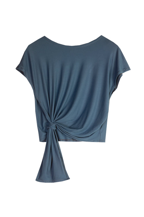 Knotted T-shirt. Blue navy.