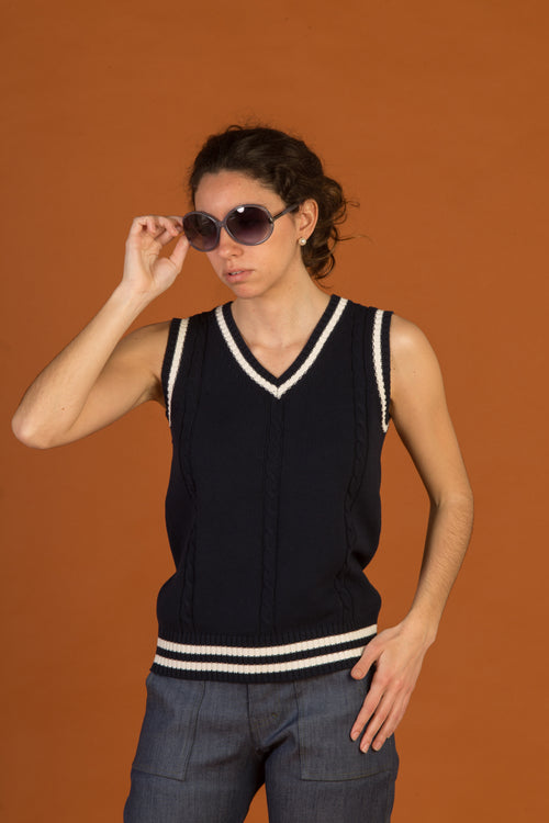 Knitted Vest Navy blue.