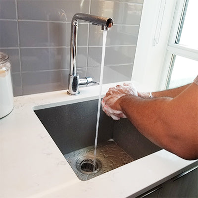 Wash your hands thoroughly without drying them out using our Unscented foaming soap