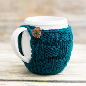 Mug cozy knitting pattern with button